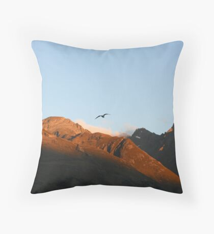 Glenorchy Mountains - New Zealand Throw Pillow