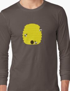 Beehive with 3 busy bees Long Sleeve T-Shirt