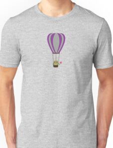 Owl in hot-air balloon with a lollipop Unisex T-Shirt