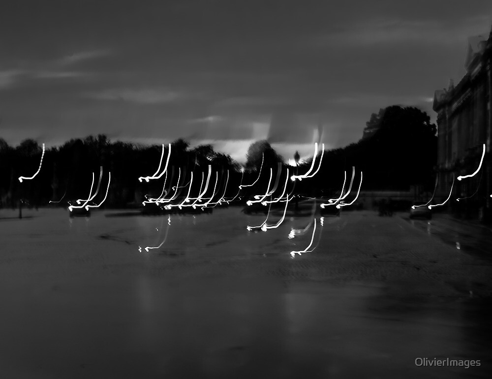 Car lights on a rainy day in Paris, Place de la Concorde (Light painting) by Olivier Sohn