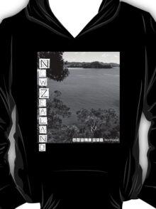 New Zealand - Whale Bay Tshirt - Blk&Wht T-Shirt