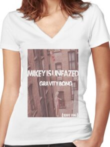 Gravity Bong Women's Fitted V-Neck T-Shirt