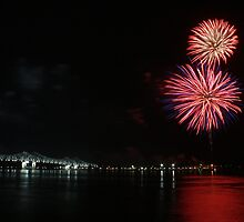 Fireworks over the River by ronburt