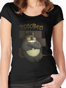 Totobro Women's Fitted Scoop T-Shirt