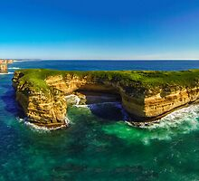 Mutton Bird Island - Twelve Apostles by hangingpixels