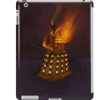 Dr Who Classic Dalek in Flames iPad Case/Skin