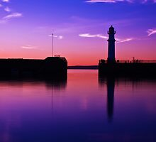 Newhaven harbour sunset by Stuart Pardue