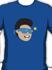 Smiling asian guy with sunglasses T-Shirt
