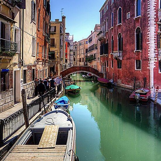 Rio dei Frari by Tom Gomez