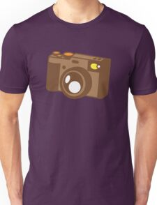 Old school vintage camera with lens Unisex T-Shirt