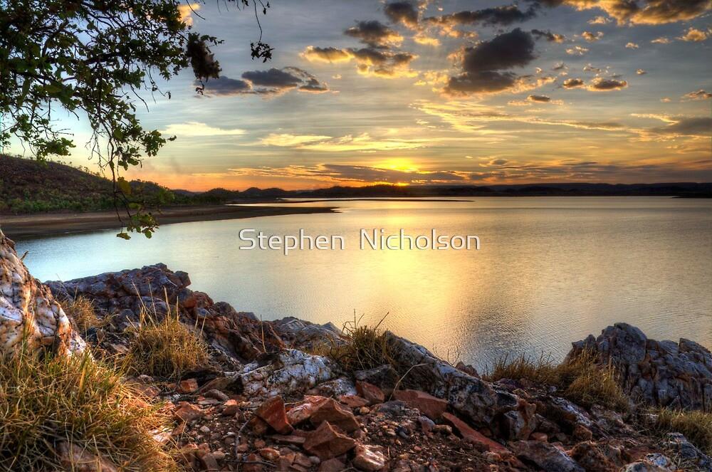 Lake Moondarra by Stephen  Nicholson