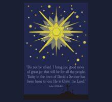 staryy sky & crosses (luke 2:10-11) Kids Tee