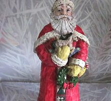 Santa with Wreath by Kathie  Chicoine
