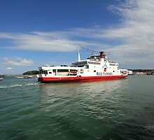 Red Falcon arriving at East Cowes by Jonathan Cox