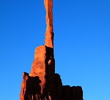The Totem Pole, Monument Valley, Arizona by Roupen  Baker