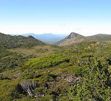 Peaks on the plateau  by PeterJF