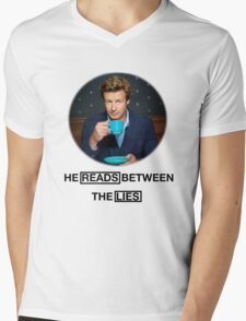The Mentalist - He reads between the lies Mens V-Neck T-Shirt