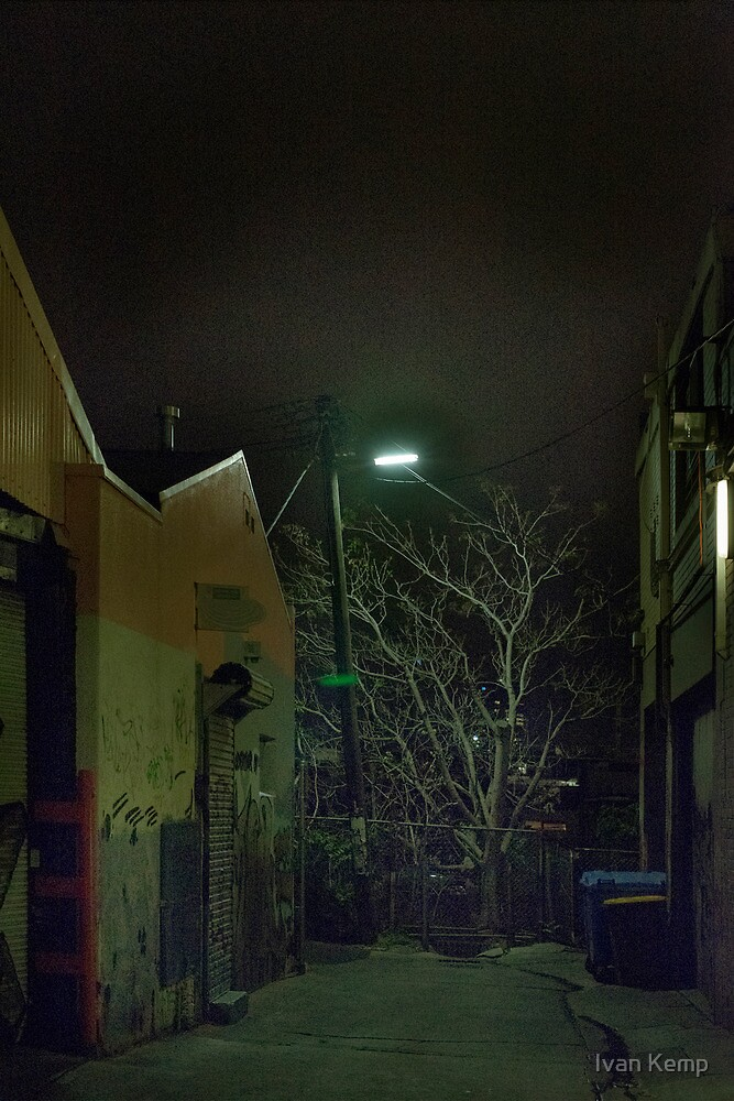 Richmond - Night 10 by Ivan Kemp