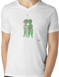 Izlyr Loves Ssorg Mens V-Neck T-Shirt