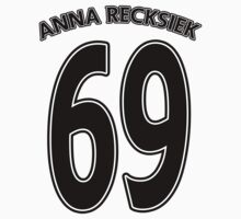 Anna Recksiek by viperbarratt