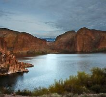 Apache Trail Canyon Lake by Lee Craig