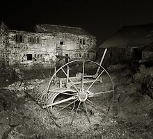 Ruined Farm at Night by fotohebden