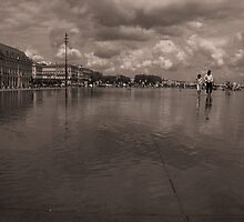 Water Mirror in Bordeaux by Quentin Jarc