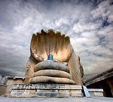 Shiva temple at Lepakshi, Karnataka by kumarrishi