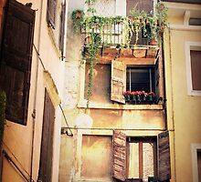Italian House  by leedgreen