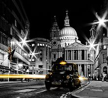 St Pauls London with Black cab by Ian Hufton