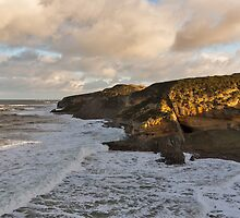 Cove Bay, a line of waves. by JASPERIMAGE