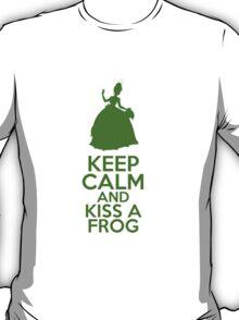 Keep Calm and Kiss a Frog (Tiana, Princess and the Frog) T-Shirt
