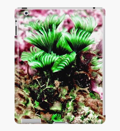 Pink and Green Social Feather Duster Worm iPad Case/Skin