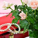 Jewel case and pink roses by 7horses
