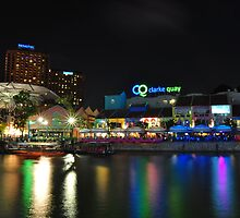 Buzzing Clark Quay in the night by HuyLuu
