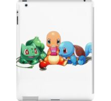 Charmander, Bulbasaur, and Squirtle playing Gameboy iPad Case/Skin