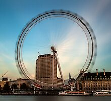 The Eye by Stuart  Gennery