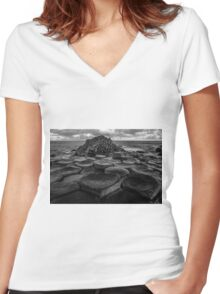 Giants Causeway Women's Fitted V-Neck T-Shirt