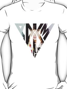 Katy Perry posing Prism T-Shirt