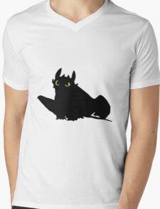 toothless (larger). Mens V-Neck T-Shirt