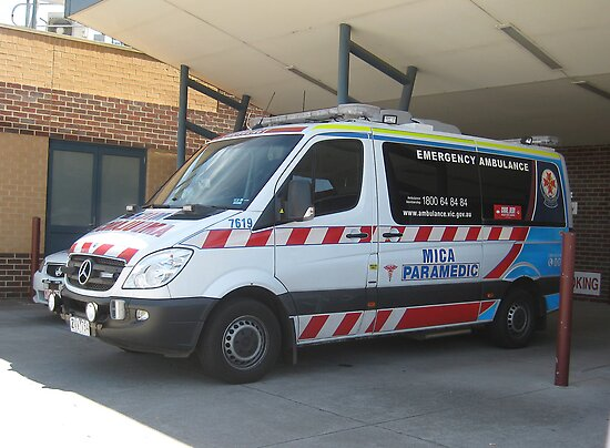 how to become a mica paramedic