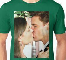 Bones mistletoe kiss Unisex T-Shirt