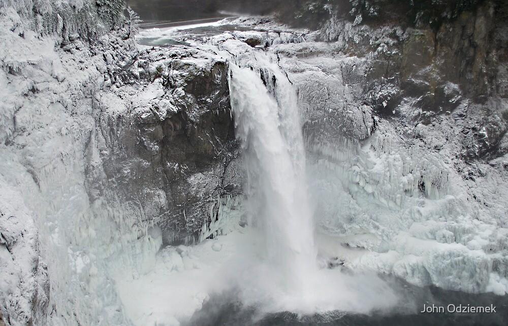 Snoqualmie Falls by JohnOdz