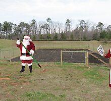 Santa hated the off-season, when it was Mrs. Claus' turn to shout 'Hoe hoe hoe!' by Susan Littlefield