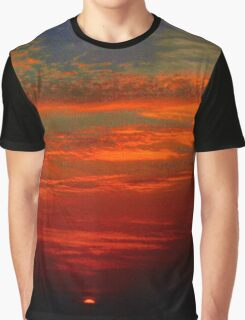 Dramatic red sunset Graphic T-Shirt