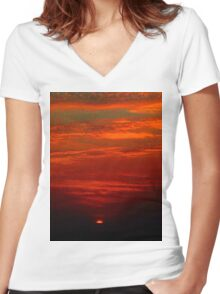 Dramatic red sunset Women's Fitted V-Neck T-Shirt