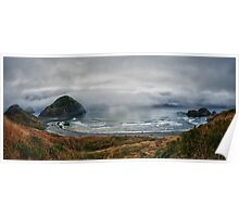 Landscape panorama color beach and cliffs in the fog of the Oregon Coast on the Pacific Ocean - Onde d'Acciaio Poster