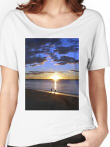 Frisbee Sunset Women's Relaxed Fit T-Shirt