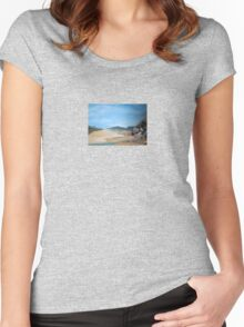 Sandy Beach and Rock Pool Women's Fitted Scoop T-Shirt