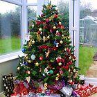 Christmas Tree by lezvee